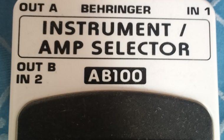 Behringer AB100, switch al plastico